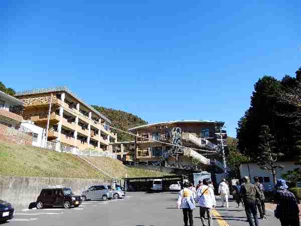 181124 【レポート】三宮発バスツアー「菊芋収穫 健康なカラダを作ろう」